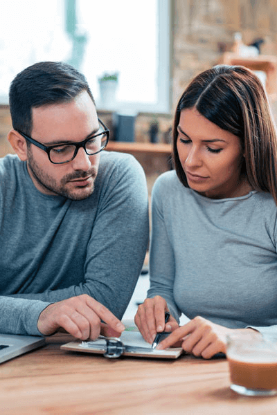 Making a Will_choosing a will couple01